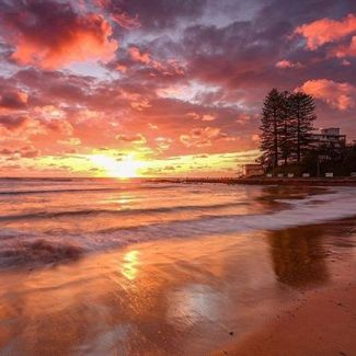 Check out stunning Dee Why beach lighting up for the afternoon! Pic from: @h_r_m_photography