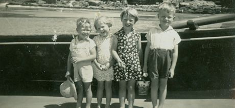 Children from the Booth Family at Freshwater beach courtesy Margaret Millar